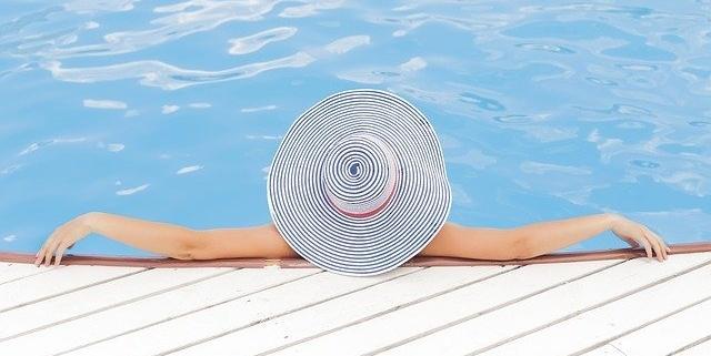 Swimmy, el Airbnb de las piscinas. POOLS CW en Cantabria, Madrid, Canarias y Perú.