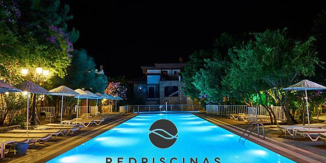 iluminacion piscina red piscinas